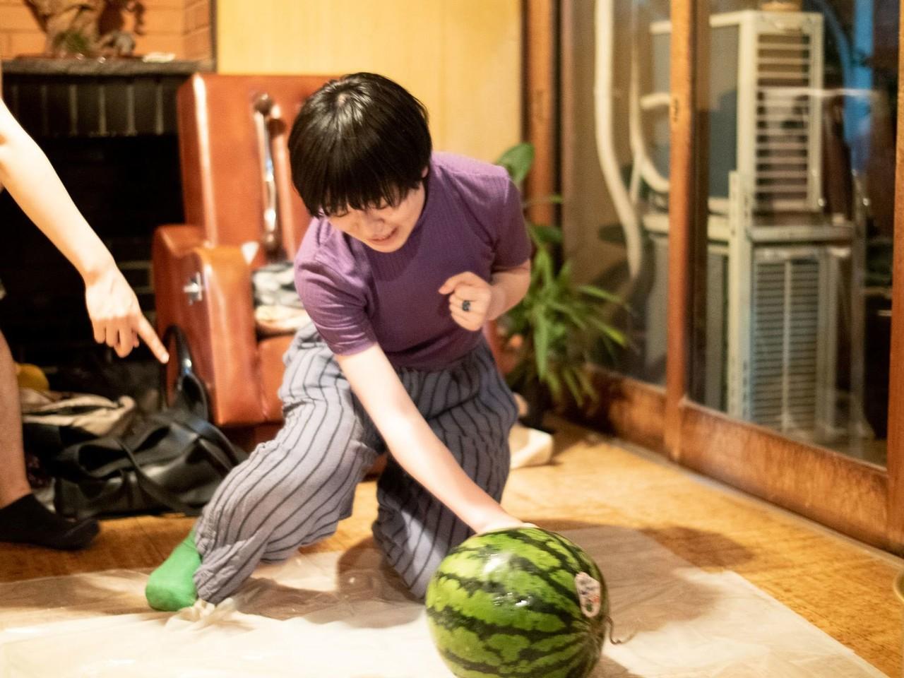 わたしの家で突然、スイカ割りやらシャボン玉やらをやりだすような人。床を養生してくれたあたりに優しさを感じる。(でもTPOはちゃんと考えられる、まじめで礼儀ただしい人)